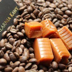 Kawa o smaku karmelowym
