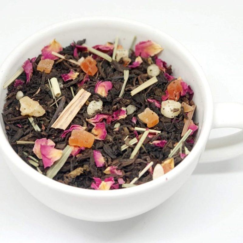 Herbata na bazie Pu- erh z dodatkiem owoców i trawy cytrynowej