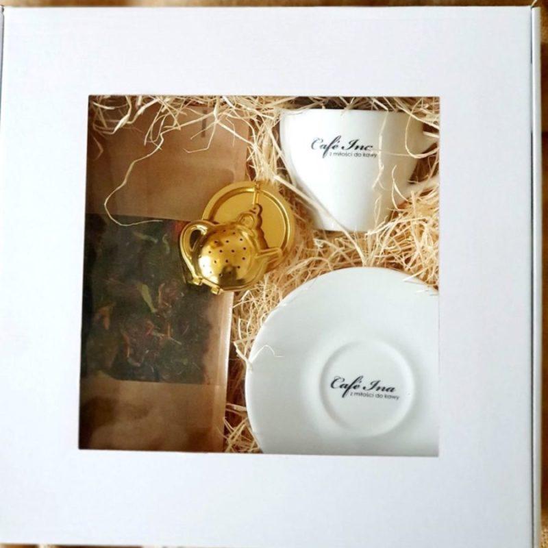 Zestaw prezentowy filiżanka+ zaparzacz do herbaty na łańcuszku + herbata owocowa